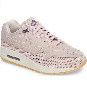 NIKE AIR MAX 1 SI Sneaker NIB size 8.5 Rose color